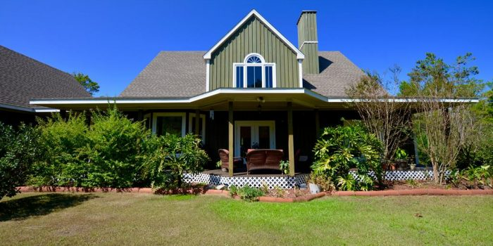 home located in Lighthouse Ridge in Carrabelle Beach