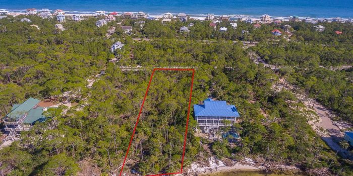 1.0000 Acre bay front lot located in Bay Cove Village in the Plantation