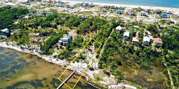 1.0330 Acres bay front lot in Cara Bay