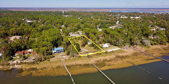 1.6250 Acre bay front lot located  in Greater Apalachicola
