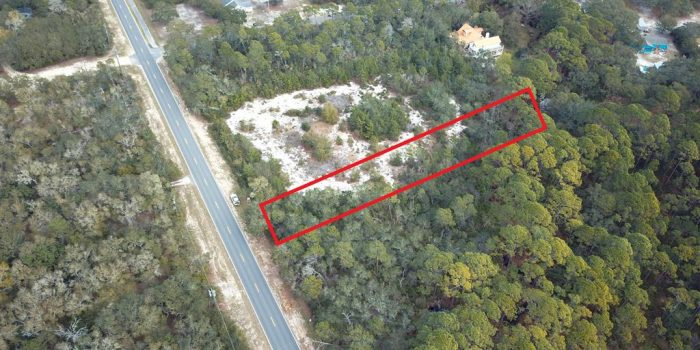 1.000 Acre lot located in Magnolia Bluff