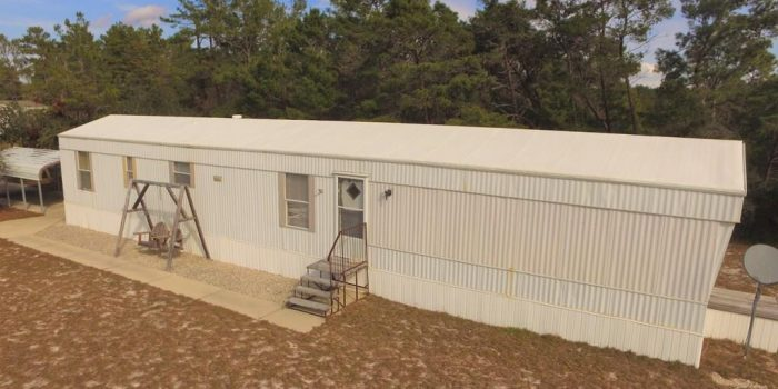 mobile home located in Lighthouse Estates