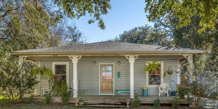 448 Ave. A - 2 bedroom/2 bath custom home in Apalachicola