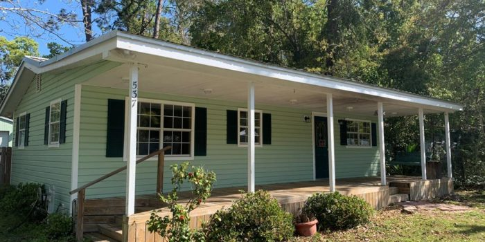 537 Oyster Rd. 2 bedroom/2 bath home located in Apalachicola