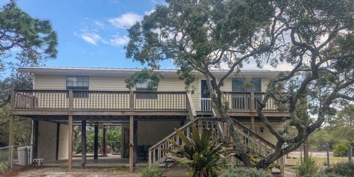 708 W. Bayshore Dr. Home For Sale in Eastpoint